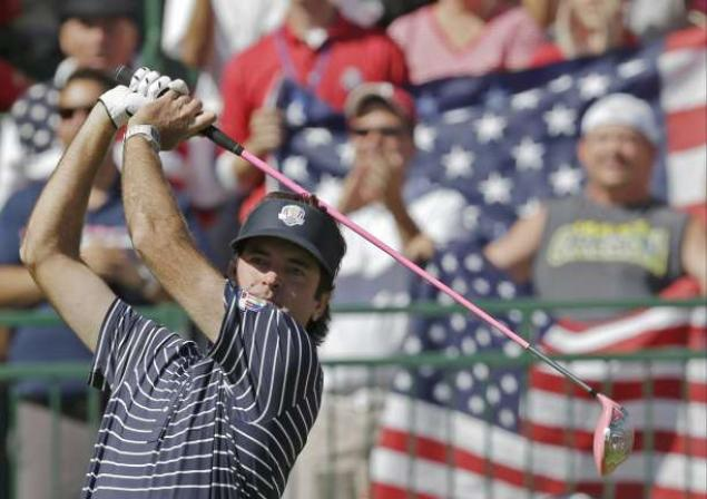 Bubba Watson Tees Off (Image from nydailynews.com)